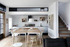 オープンなキッチンと追加のクローズドスペース