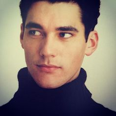 A young David Gandy for the same 2001 Burberry campaign #Burberry #davidgandy #malemodel #fashion #production #mycsm #supermodels #mariotestino