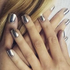 You Can Now Get Minx Nails—Online