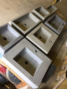 At morris Concrete Designs we have a huge range of handcrafted sinks made to order contact us for more info on how to get your perfect sink Concrete Bath, Concrete Crafts, Concrete Projects, Concrete Design, Table Beton, Beton Diy, Sink Design, Vintage Interiors, Polished Concrete