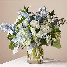 Blue Hydrangea Centerpieces, Blue Flower Arrangements, Artificial Floral Arrangements, Hydrangea Wedding Arrangements, Summer Flower Centerpieces, Vase Arrangements, Diy Wedding Flowers, Floral Wedding, Delphinium Bouquet