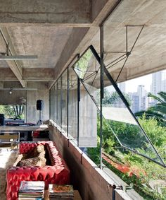 Fragments of architecture — Concrete House / Paulo Mendes da Rocha Steel Windows, Windows And Doors, Design Hotel, House Design, Loft Design, Design Design, Modern Design, Design Trends, Architecture Design