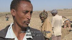 Het journaal 7 - 22/02/16 Ethiopië is opnieuw getroffen door droogte, net zoals midden jaren 80. Toen kwamen honderdduizenden mensen om van de honger. Ook nu zijn veel oogsten mislukt in Ethiopië, maar er is voedselhulp en er wordt gewerkt aan een duurzaam bodembeheer. Katrien Vanderschoot ging ter plaatse kijken.