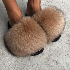 Fluffy Shoes, Fluffy Sandals, Cute Slides, Winter Slippers, Fur Accessories, Womens Slippers, Nike Slippers, Fox Fur, Blazer Fashion