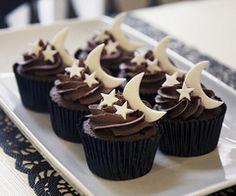midnight cupcakes  ❥ http://pinterest.com/martablasco/