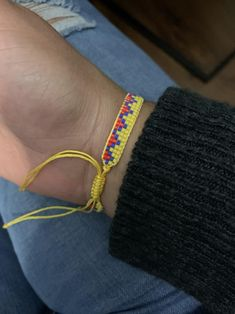 adjustable unisex bracelet woven in miyuki with the colors of the Colombian flag. Unisex, Crafty Craft, Beards, Beading, Delicate, Bracelets, Crafts, Diy, Jewelry