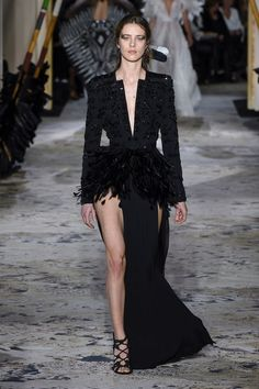 Zuhair Murad   Haute Couture - Spring 2018   Look 8 Costumes Couture, Couture Dresses, Zuhair Murad, Runway Fashion, Fashion Outfits, Wedding Party Dresses, Suits For Women, Catwalk, Ball Gowns
