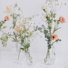 Getting Fine Wedding Centerpieces; An Update On Painless Fun Wedding Decorating Solutions - Wed By Stephanie Vase Arrangements, Floral Centerpieces, Table Centerpieces, Wild Flower Arrangements, Centrepieces, Centerpiece Ideas, Bud Vases, Flower Vases, Palette Pastel