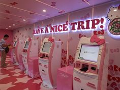 Hello Kitty check-in