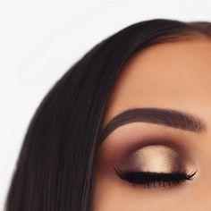 Glam gold eye makeup