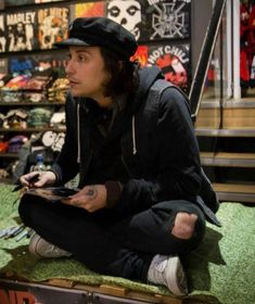 Grunge Style, Soft Grunge, Style Indie, My Chemical Romance, Frank Iero, Tokyo Street Fashion, Emo Bands, Music Bands, Le Happy