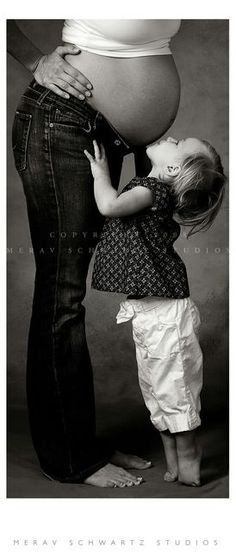 maternity photography i want / maternity photography with siblings - Google Images