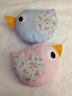 Almofada passarinho 20x20  As almofadas de passarinho podem ser feitas nas cores de sua preferencia. R$ 26,00