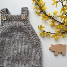Ravelry: Little Brother's Romper pattern by PetiteKnit Baby Romper Pattern Free, Knit Hat Pattern Easy, Sweater Knitting Patterns, Knitting For Kids, Free Knitting, Knitted Baby Clothes, Baby Kind, Textiles, Crochet Yarn
