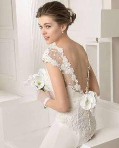 Resultado de imagen para vestidos de novia con encaje y espalda descubierta
