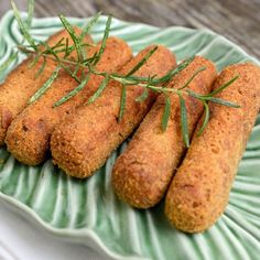 Veja esta receita de Croquetes. Esta e outras deliciosas receitas no site Nestlé Cozinhar.