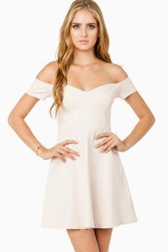 ShopSosie Style : Lunetta Dress in Blush Vogue Fashion, Fashion Beauty, Womens Fashion, Mom Fashion, Fashion Books, Fashion Show, Dress Outfits, Dress Up, Semi Formal Dresses