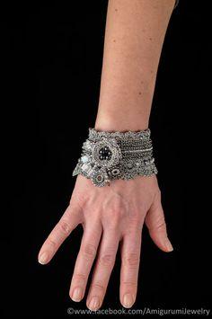 Metal Color Crochet Bracelet Cuff. Beaded door KaterinaDimitrova