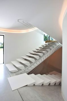 30 Luxury Staircase Design Ideas For Modern House Luxury Staircase, Staircase Design, Staircase Ideas, Stair Design, Staircase Pictures, Staircase Decoration, Stairs Architecture, Interior Architecture, Amazing Architecture
