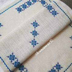Diy Craft Projects, Diy And Crafts, Arts And Crafts, Cross Stitch Rose, Airbrush Art, Bargello, Craft Fairs, Foam Sheets, Glasses Case