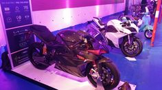 Energica Ego45 Carbon or Energica Ego Matte Pearl White?
