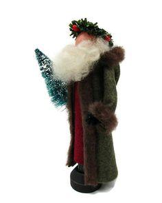 Dickens Christmas Carol, Noel Christmas, Father Christmas, Christmas Crafts, Christmas Ornaments, Christmas Decorations, Christmas Bowl, Craft Decorations, Craft Ideas