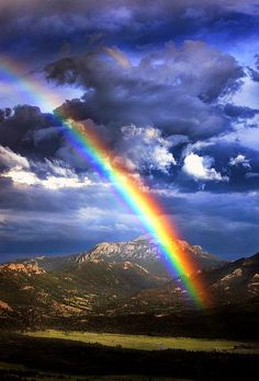 Rainbow over Rocky Mountain National Park, Colorado - marvelous views of nature Beautiful Sky, Beautiful Landscapes, Beautiful World, Beautiful Places, Beautiful Pictures, All Nature, Amazing Nature, Amazing Grace, Rocky Mountain National Park