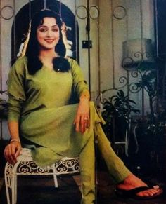 Share, rate and discuss pictures of Hema Malini's feet on wikiFeet - the most comprehensive celebrity feet database to ever have existed. 80s Actresses, Indian Idol, Hema Malini, Bollywood Outfits, Shri Ganesh, Vintage Bollywood, Madhuri Dixit, Indian Film Actress, Celebrity Feet
