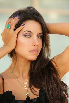 Beautiful makeup for deep-set eyes :: one1lady.com :: #makeup #eyes #eyemakeup