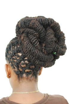 """fitvillains: """" Healthy Hair: 10 Foods For Strong Locks Check out the top 10 superfoods that can strengthen you from head to toe. They're all healthy options that double as hair follicle strengtheners. Style Garçonne, Style Afro, Dreadlock Styles, Dreads Styles, Mohawk Styles, Natural Hair Styles For Black Women, Natural Styles, Afro Punk, Dreadlock Hairstyles"""