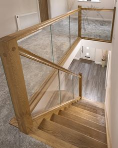 Luxury Glass Stairs Design Ideas For You This Year 31 Glass Stairs Design, Home Stairs Design, Railing Design, Interior Stairs, Home Interior Design, Glass Stair Balustrade, Glass Stair Panels, Staircase Glass Railing, Glass Bannister