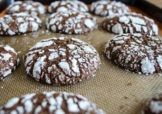 5-tricks-you-need-know-make-perfect-chocolate-crinkle-cookies