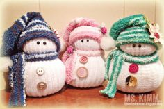 Ms Kimm Creates: Handmade Sock Snowmen Tutorial More Sock Snowman, Crochet Snowman, Snowman Crafts, Christmas Crafts For Gifts, Christmas Sewing, Christmas Projects, Sock Crafts, Cute Crafts, Christmas Makes