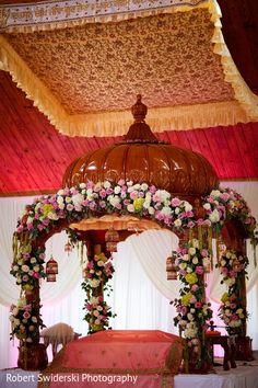 Floral wedding decoration for Punjabi Sikh wedding Sikh Wedding Decor, Wedding Reception Backdrop, Wedding Mandap, Lace Wedding Invitations, Indian Wedding Decorations, Wedding Ceremony Decorations, Wedding Arrangements, Indian Weddings, Romantic Weddings