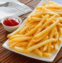 Instant Pot French Fries - Make delicious, crispy and tender French fries in an instant pot in less time. Instant Pot French Fries 2 lb tsp tsp tbsp vegetable cup wateror (as required) Adjust the trivet in the instant … Instant Pot Pressure Cooker, Pressure Cooker Recipes, Pressure Cooking, Power Pressure Cooker, Crockpot Recipes, Cooking Recipes, Skillet Recipes, Cooking Blogs, Cooking Dishes