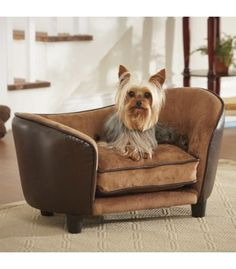 Sofa de cuero marron liso