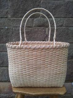 Ash Splint Baskets | Steve Tomlin Crafts Basket Weave Crochet, Basket Weaving, Ash, Baskets, Crafts, Life, Ideas, Gray, Manualidades