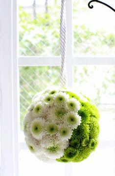ボールブーケ白×グリーン