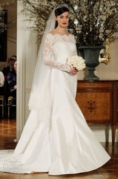 Check Out 35 Wedding Gowns With Sleeves. After years of being traumatized by poufy sleeves which were larger then their faces, brides have made a sharp turn away from wedding gowns with sleeves. Wedding Gowns With Sleeves, Long Sleeve Wedding, Dresses With Sleeves, Lace Sleeves, Lace Gowns, Dress Lace, Dress Red, Romona Keveza Wedding Dresses, Bridal Dresses