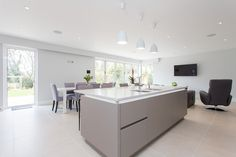 Nolte Handleless Kitchen in Soft Lac White and Lava New Kitchen, Kitchen Ideas, Kitchen Inspiration, Kitchen Designs, Lava, Cashmere Kitchen, Handleless Kitchen, House Extensions, Open Plan