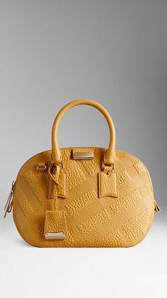 eaee6ab56b0 Amarillo azafrán Bolso Orchard pequeño en piel con grabado de checks en  relieve - Burberry Burberry