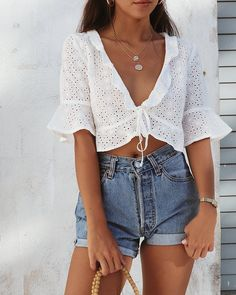 cute summer outfit ideas for teens high waisted vintage denim shorts white crop . , For More Fashion Visit Our Website cute summer outfits, cute summer outfits outfit ideas,casual outfits cute su. Mode Outfits, Short Outfits, Casual Outfits, Fashion Outfits, Women's Casual, Fashion Women, Ibiza Outfits, Style Fashion, Fashion Beauty