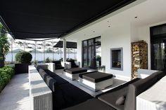 Van den Berg Interieurbouw - Droomvilla Rotterdam - Hoog ■ Exclusieve woon- en tuin inspiratie. Back Garden Design, Outdoor Living, Outdoor Decor, Pool Houses, Outdoor Gardens, Rotterdam, House Plans, Villa, New Homes