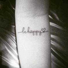 """Qual situação te deixa feliz?  Tatuagem feita pelo <a href=""""http://instagram.com/felippmello"""">@felippmello</a>"""