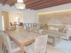 REF. 10342 Brand new flat to #rent with views to 'La Catedral'. Situated in 'El Gòtic', a few minutes away from 'Via Laietana' #CiutatVella #ElGotic #Gotic #ViaLaietana #Barcelona #AtipikaBarcelona #AtipikaBcn #RealEstate www.atipika.com