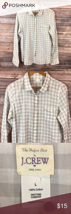 J. Crew Plaid Button Down Large 100% Cotton J. Crew Plaid Button Down Large 100% Cotton Very nice! No stains or holes  Pit to pit 22 inches Length 30.5 inches  Any questions feel free to ask! J.Crew Factory Tops Button Down Shirts