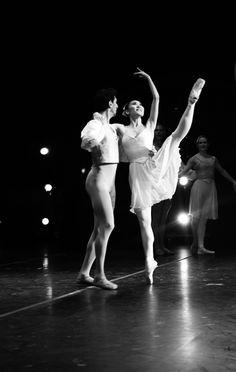 Chinatsu Owada and Nukri Mamistvalov in Allegro Brillante Chroegraphy by George Balanchine © The Balanchine Trust  photo by Melissa Dooley