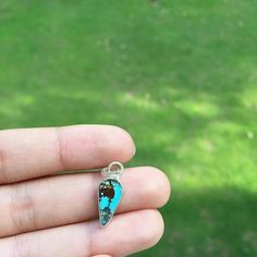 Natural Blue Turquoise from Iran Healing Lucky Point Gemstone 925 Sterling Silver Metal Fashion Pendant Jewelry
