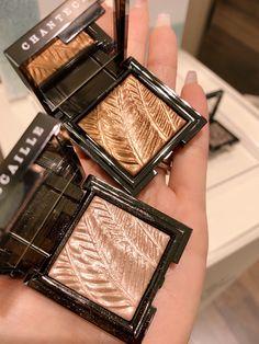 Chantecaille New Luminescent Eye Shades Makeup Routine, Makeup Kit, Makeup Eyeshadow, Makeup Cosmetics, Love Makeup, Simple Makeup, Beauty Makeup, Makeup Brands, Best Makeup Products