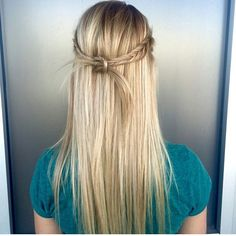 Perfectly blonde by Miss Audi @audihair finished with a beautiful  #bohobraid from our #Braidbar of course  #braids #instabraid  #bohoofficial #hairstyles #updo #braidsandbalayage #btc #btcpics #modernsalon #Padgram